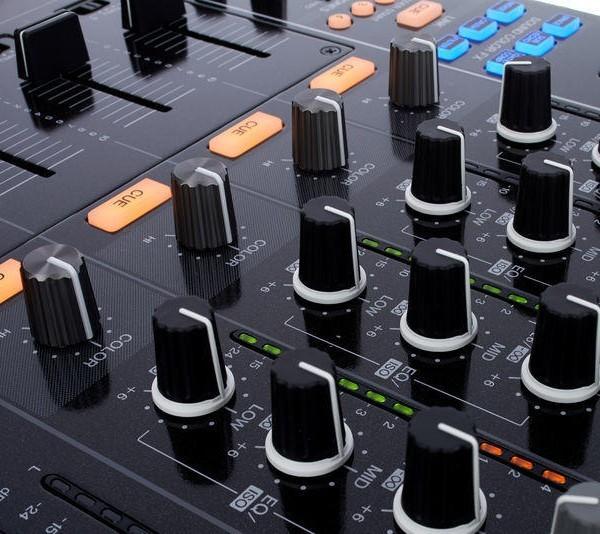 Pioneer DJM900 NXS DJ Mixer