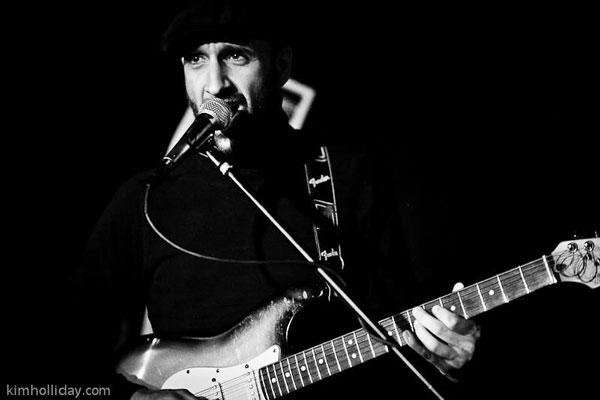 Raul_Guitar_BW_600