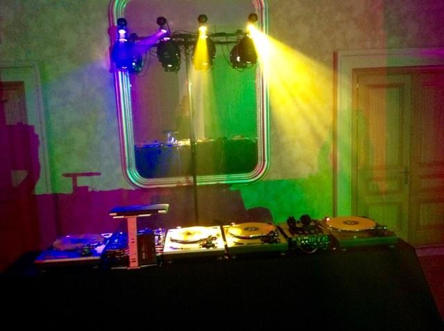dj lighting hire villa padierna