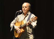 "Manuel Leal      Was born in Alcalá de Guadaira (Seville). He has excellent references as a guitarist and singer due to that, he has worked for important musical groups. He has travelled around all Spain and he has performed for politicians and artist, as for instance ""El Gran Antonio el Bailarín"" (Antonio the Great Flamenco Dancer). He has worked in places such as:    - Bilbao - Ercilla Hotel  - Madrid - Palace Hotel                  - Sierra Morena                  - El Portón                  - Faralaes                  - Villarrosa - Sevilla - Portada de Feria                - Hotel Los Lebreros - Marbella (Málaga) - Hotel Puente Romano                                    - La Caseta del Casino - Vigo - Nova Olimpia  - Tanger - Chellah Hotel - Puerto Rico - Hotel Condado Beach                          - Reception for the government                           - Salinas, (Andaluces Unidos)                          - San Juan, ""El Albaicín""                          - Cayei   - Japón - Karatasuka (Osaka)               - Tokio       In his discography there is a total of six recorded discs with the Verea group and four ones with Retama group."