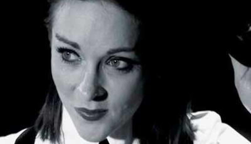 Laura Carter Singer Costa del Sol