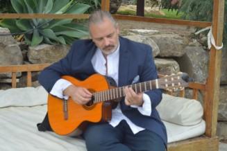 05_Mark_Honeyman_Guitar