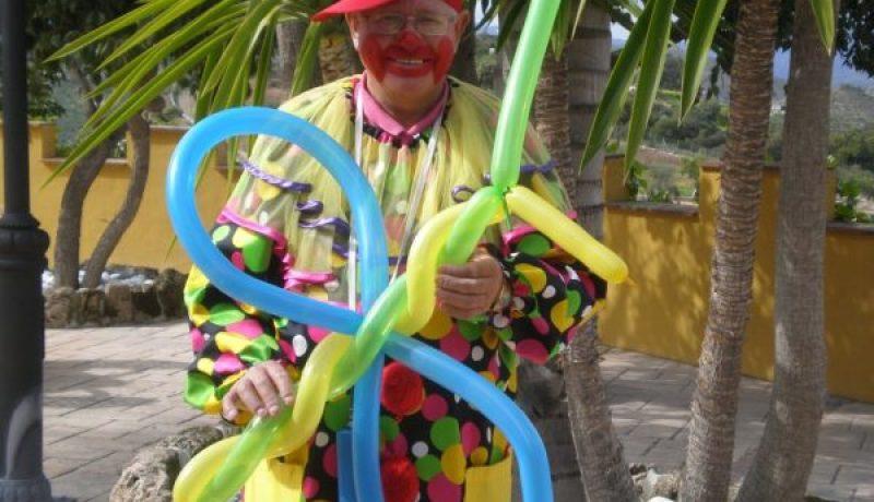Pom Pom Clown Magician Profile