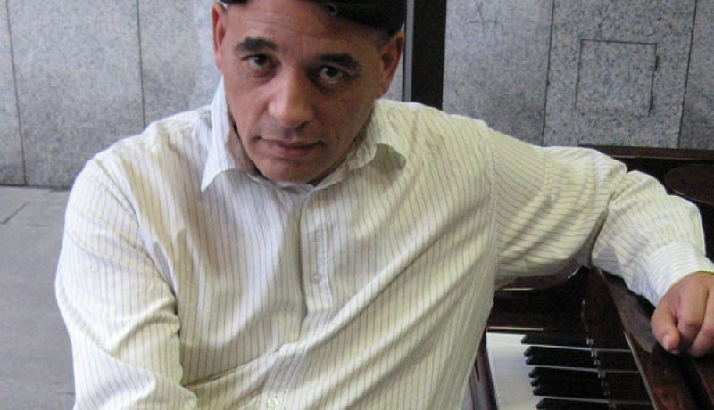 Victor_Christian_piano_fp