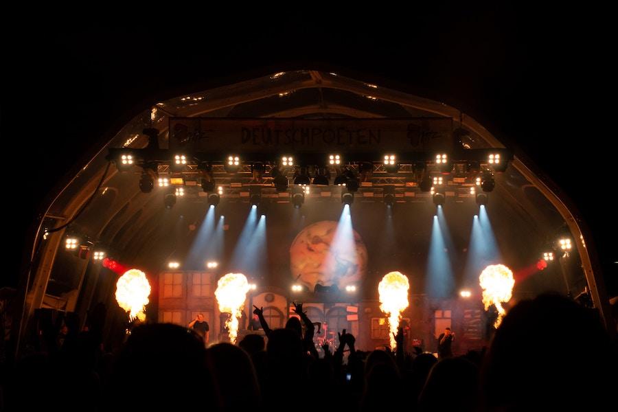 Concert_Flames